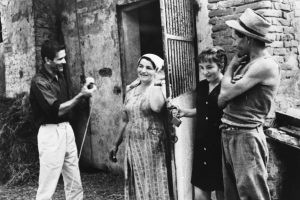 2. Foto di scena di Comizi d'amore. © Angelo Novi. Cineteca di Bologna